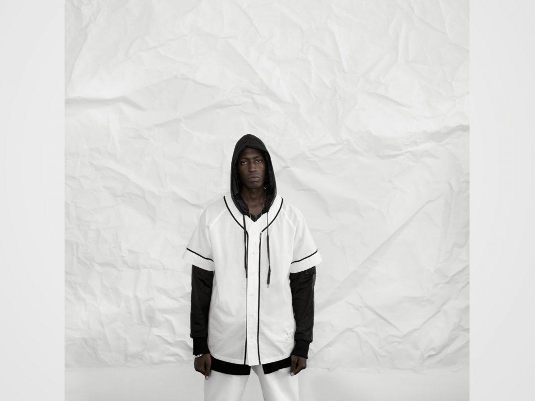 STAMPD apresenta coleção monocromática e minimalista