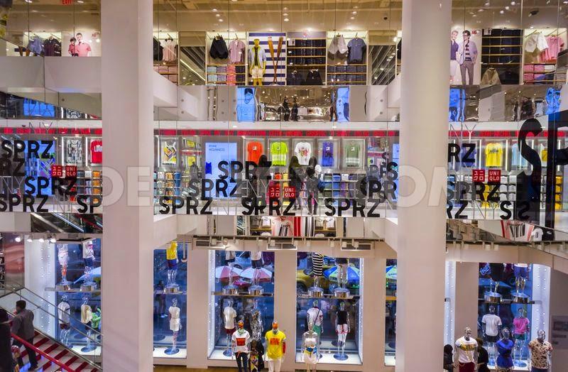 1396040192 uniqlo introduces their sprz ny collection in new york 4324417 - Guia de compras: Nova Iorque (Parte 5)