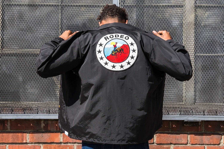 Diamond e rapper Travis Scott lançam coleção