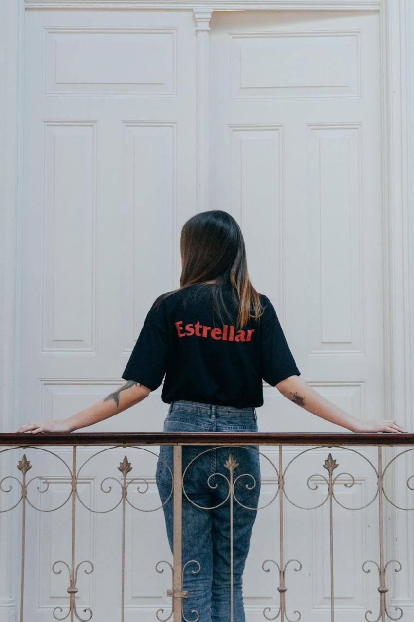 estrellar sad romance streetwear brasil 06 - Curte festivais e praias? Vem ver essa coleção especial da Stussy