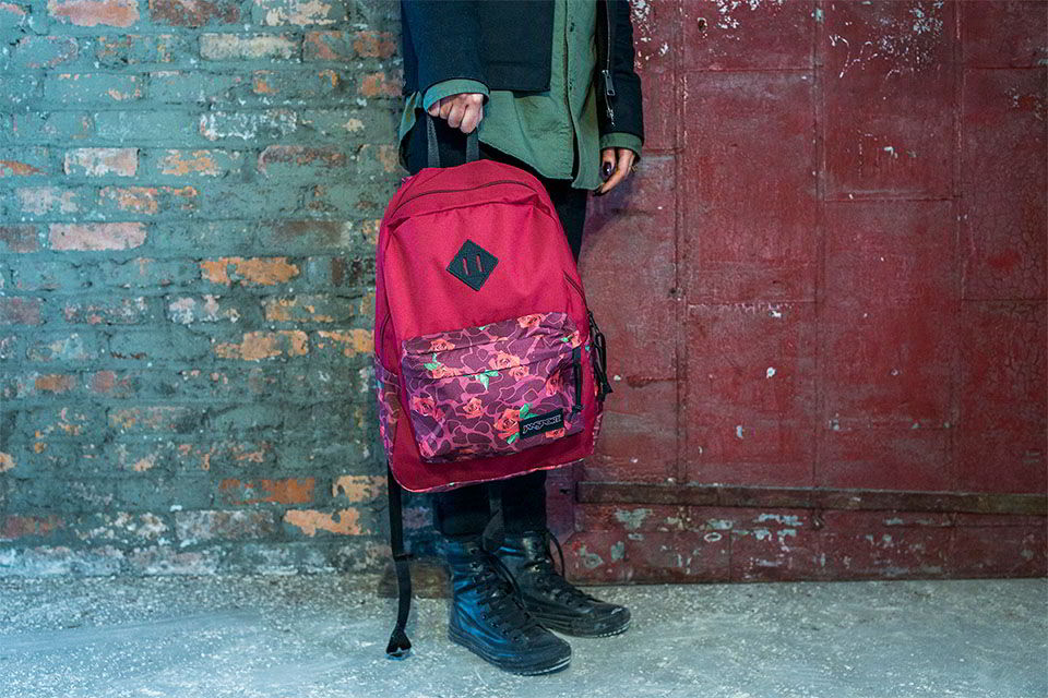 jansport rick williams naturel collab 05 - O poder da customização de Warren Lotas