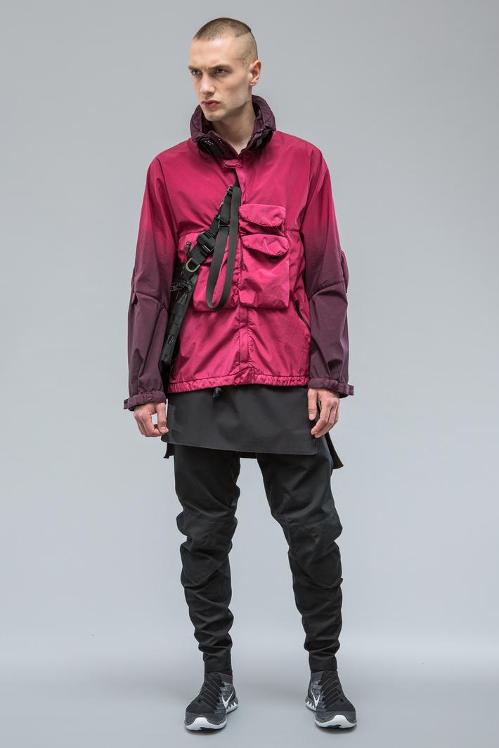 O sportswear tecnológico da Acronym
