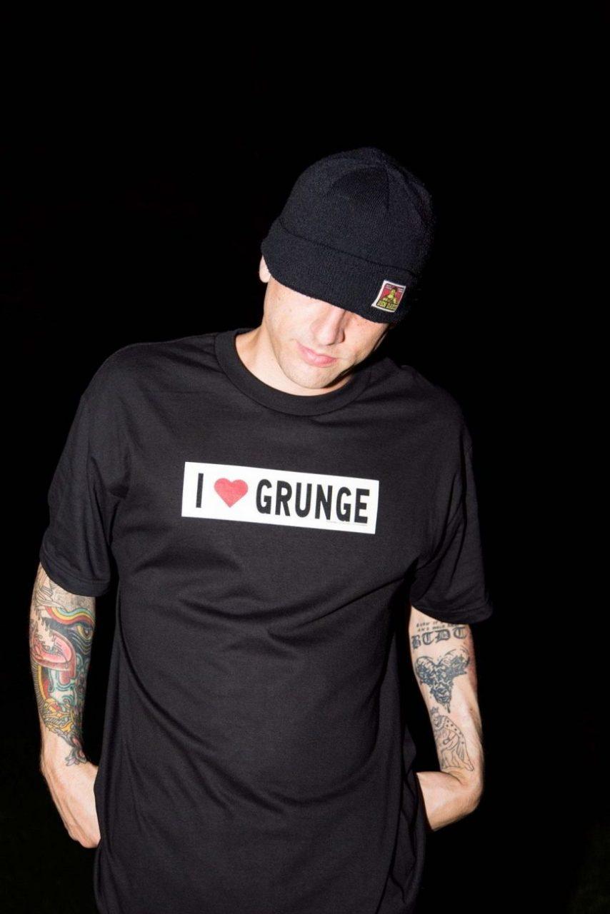 alive and well pleasures grunge colecao 5 - Alive & Well e PLEASURES se unem em coleção inspirada pelo grunge