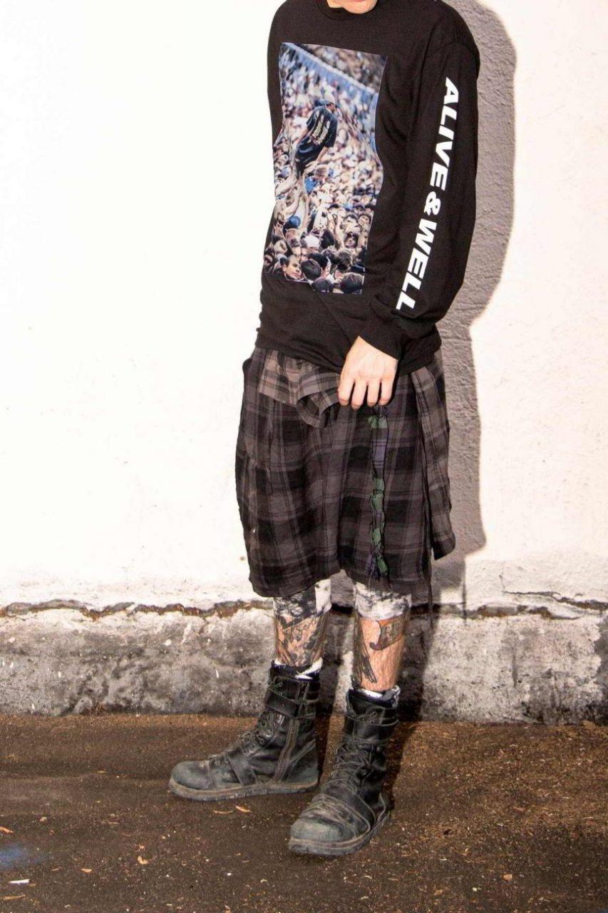 alive and well pleasures grunge colecao 9 - Alive & Well e PLEASURES se unem em coleção inspirada pelo grunge