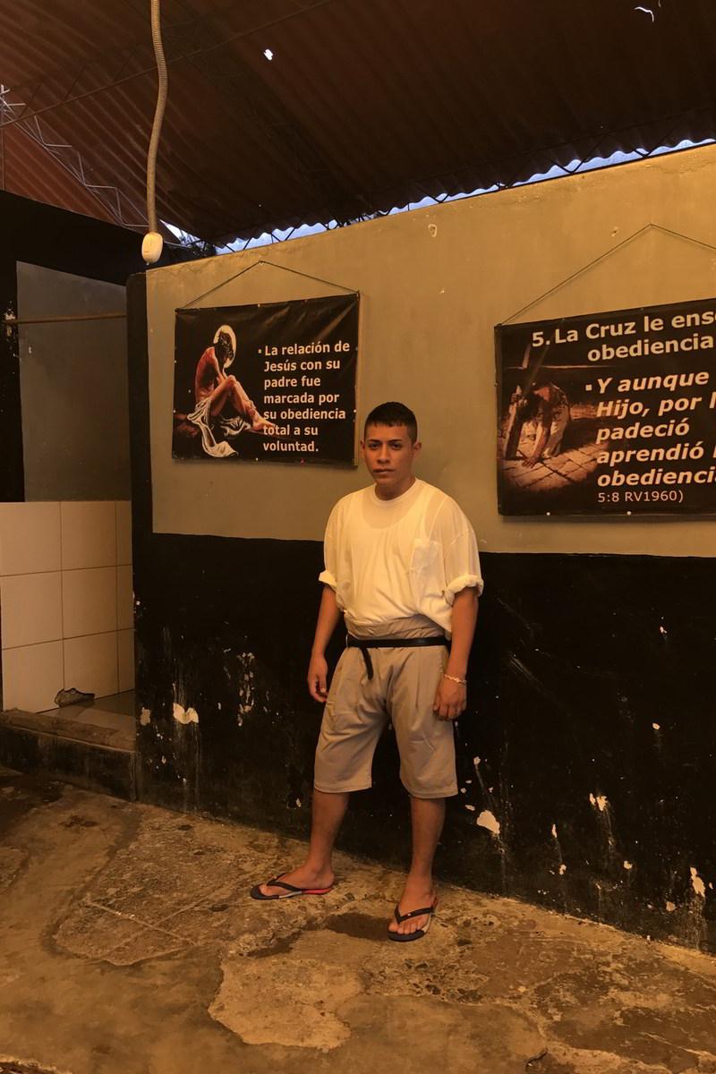 willy chavarria uniforme prisao lurigancho 03 - Willy Chavarria lança coleção de uniformes para prisão peruana