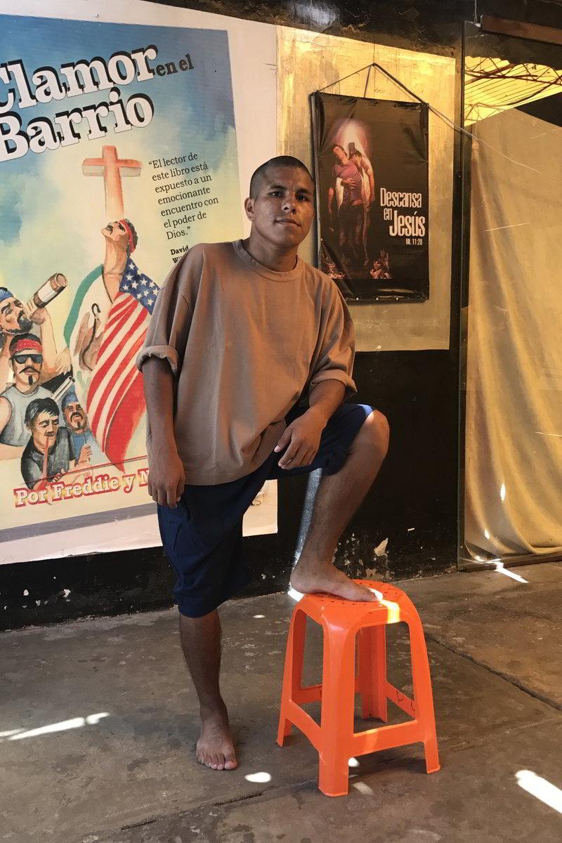 willy chavarria uniforme prisao lurigancho 06 - Willy Chavarria lança coleção de uniformes para prisão peruana