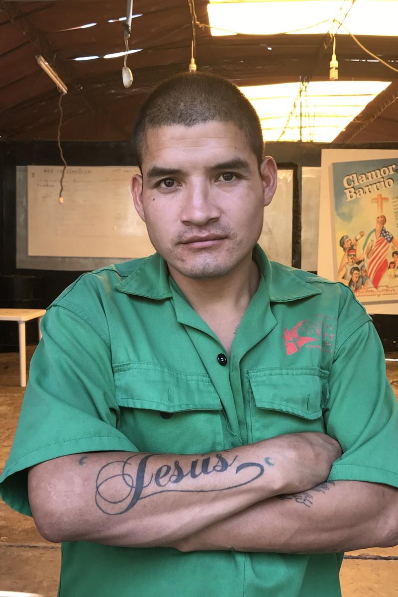 willy chavarria uniforme prisao lurigancho 09 - Willy Chavarria lança coleção de uniformes para prisão peruana
