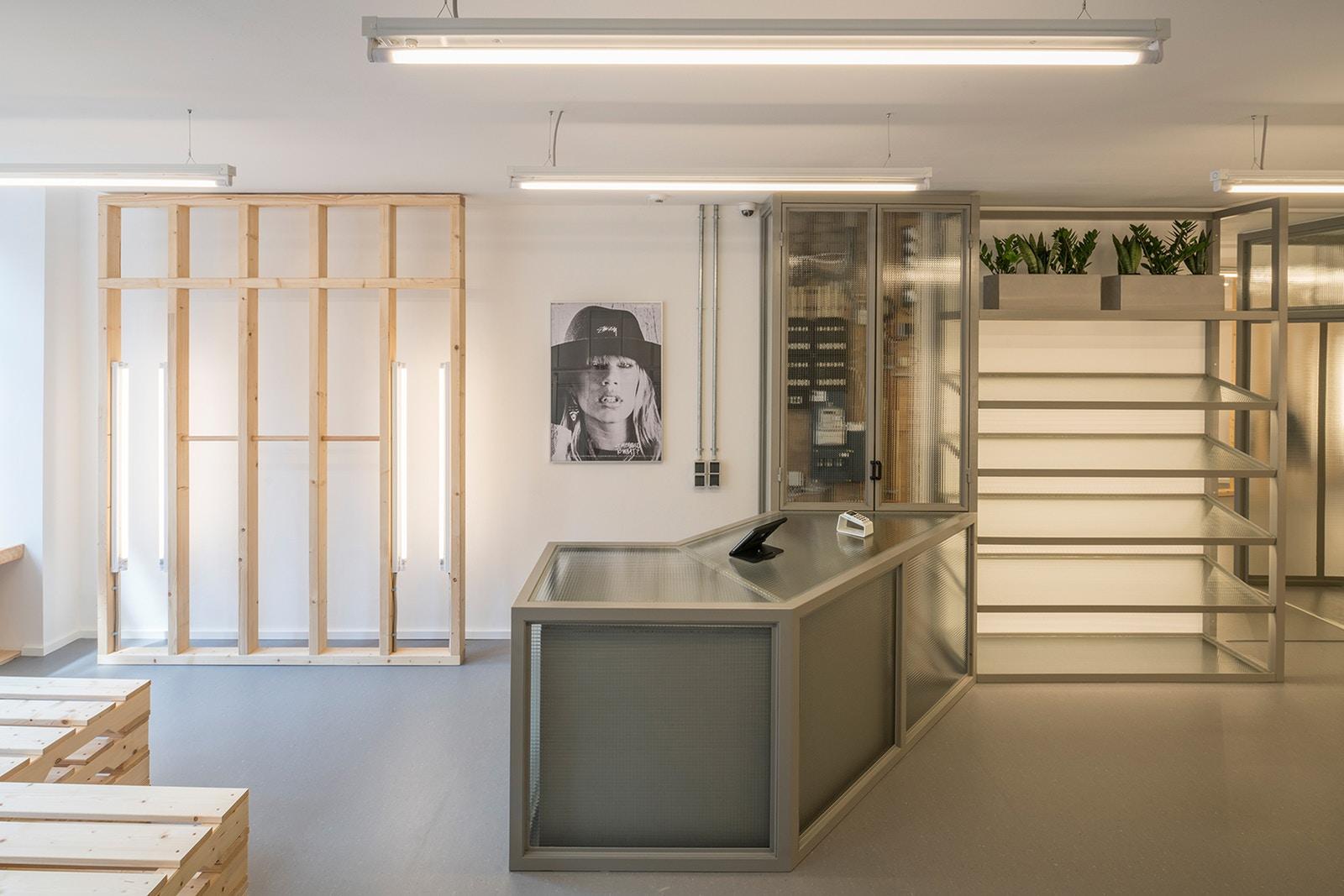 Stussy abre nova loja com parceria com a Patta