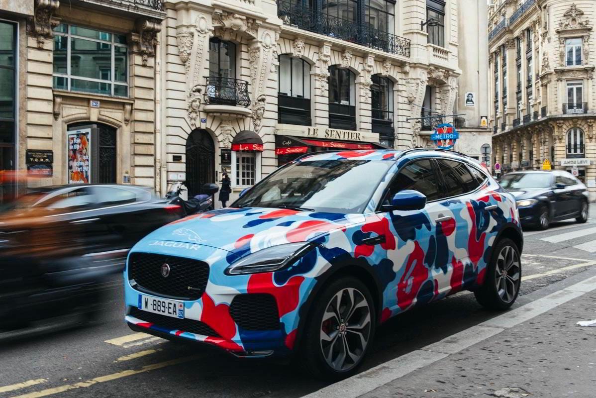 bape car jaguar paris 1 - BAPE celebra inauguração de loja em Paris com coleção cápsula