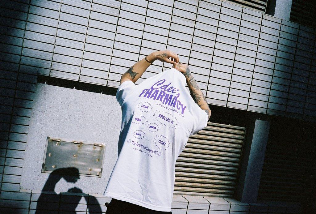 Common Dust apresenta nova coleção de camisetas e bonés