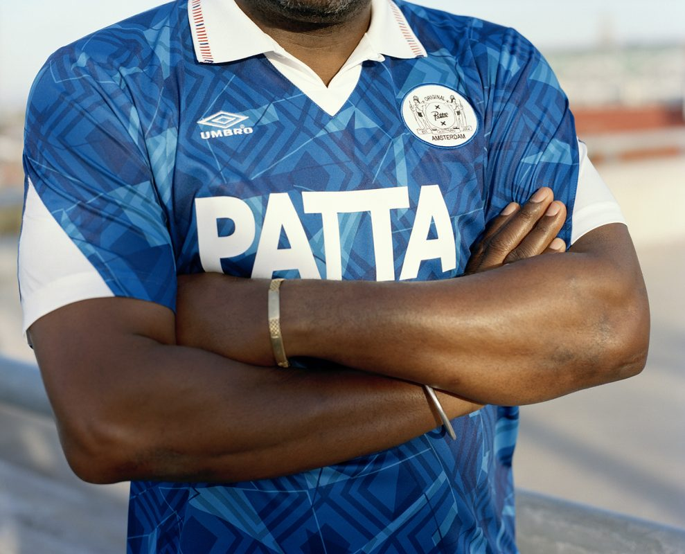 Patta e Umbro lançam camisas de futebol inspiradas em time holandês