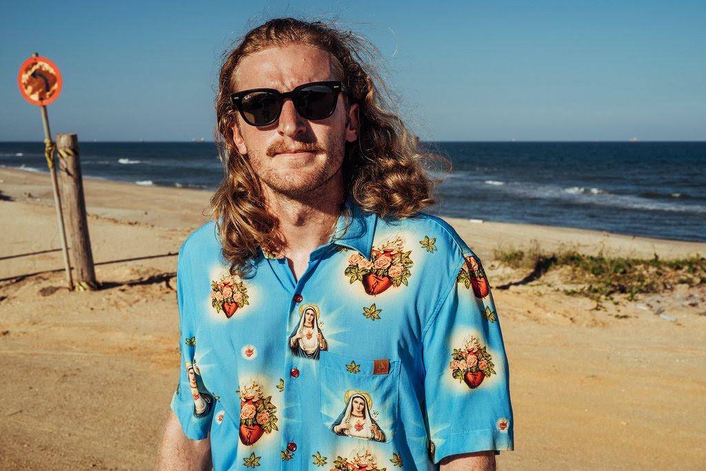 Dion Ochner lança camisa inspirada no filme Romeu + Julieta