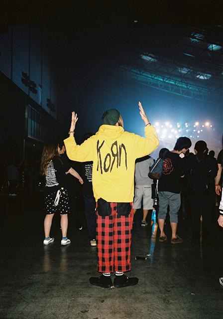 pleasures korn capsula 11 - PLEASURES e Korn celebram 20 anos do disco 'Follow The Leader'