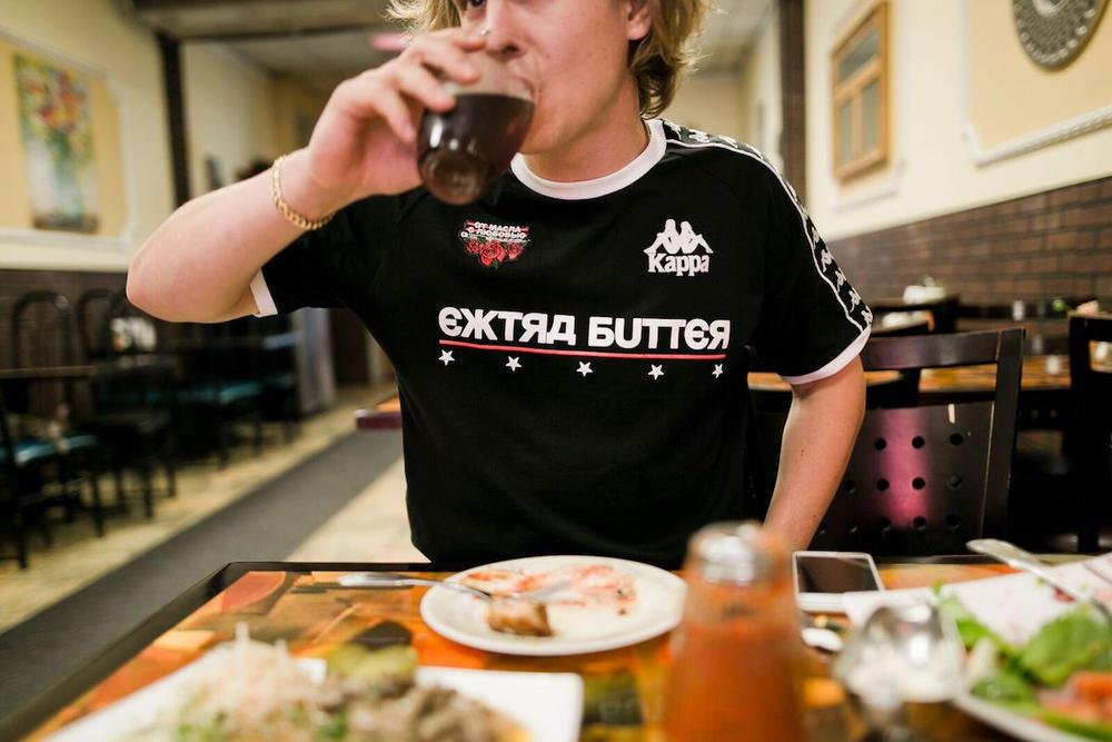 Extra Butter Kappa Capsula Copa do Mund Russia 11 - 10 Deep apresenta nova coleção da divisão VCTRY