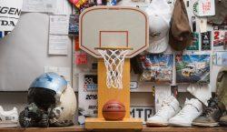 Undefeated e Modernica colaboram em mini cesta de basquete