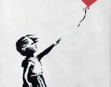 Banksy destrói pintura após ser leiloada por 5 milhões de reais
