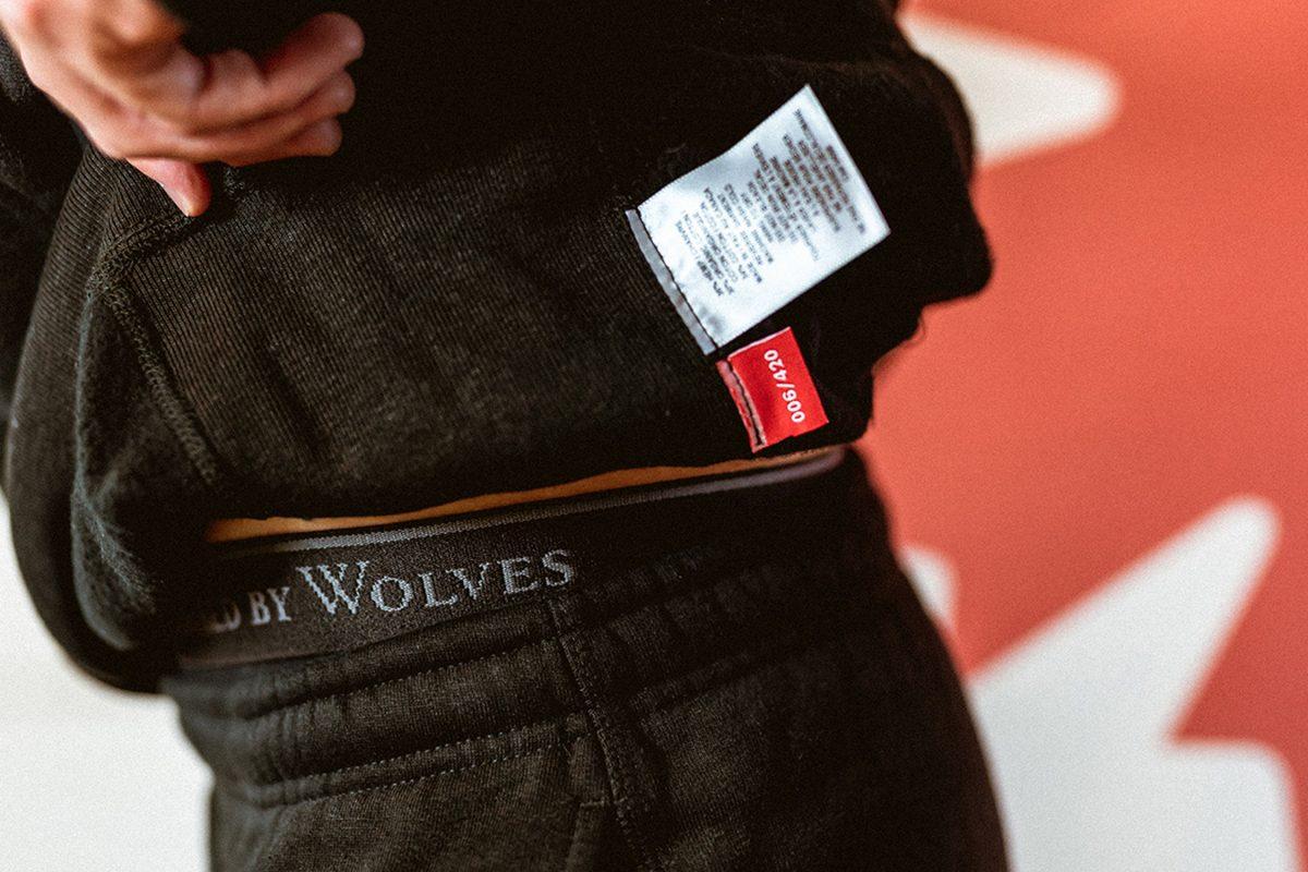 raised by wolves hemp sweatsuit 13 - Raised by Wolves celebra legalização da maconha no Canadá