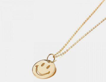 Chinatown Market lança corrente de ouro com pingente de smile