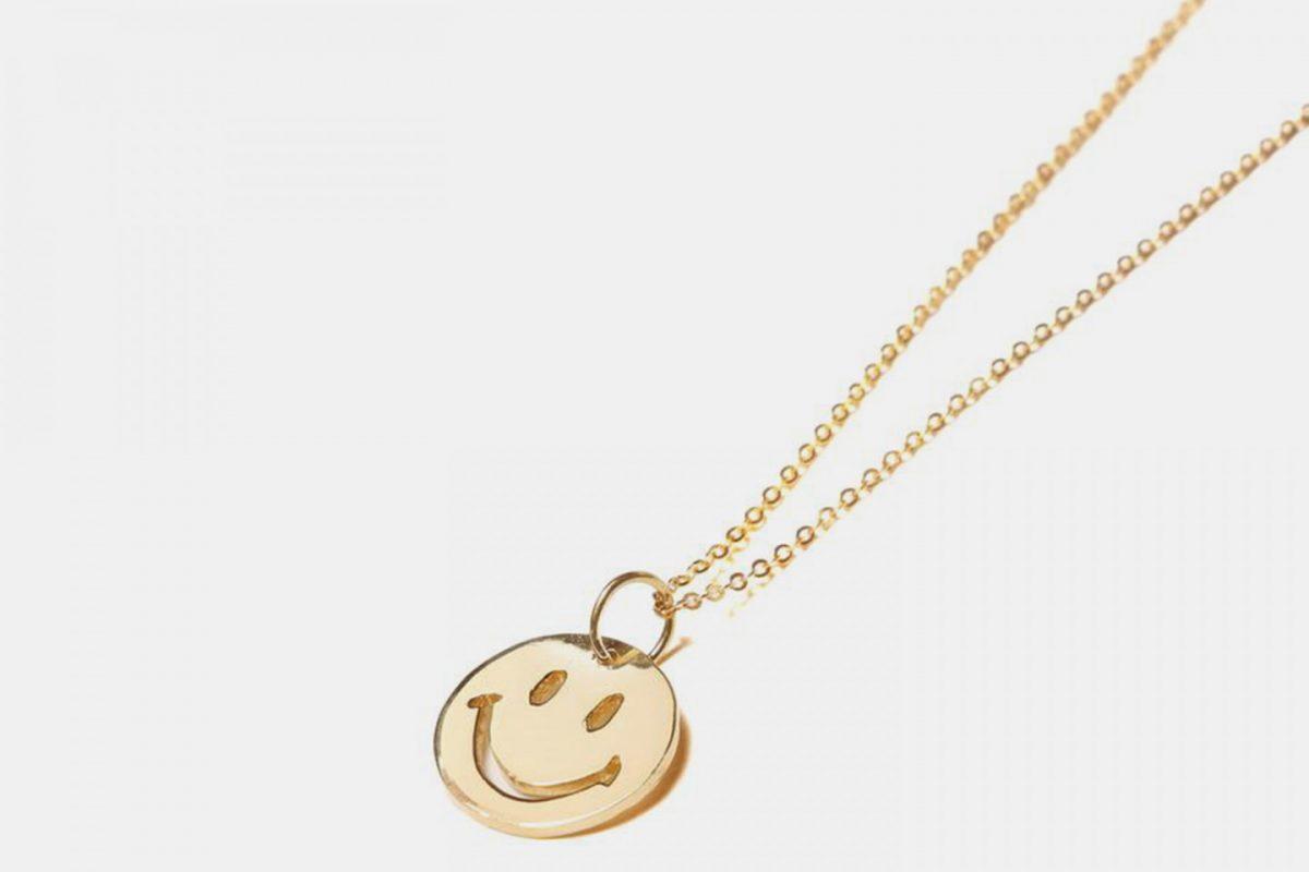 chinatown market the m jewelers corrente ouro smile 2 - Chinatown Market lança corrente de ouro com pingente de smile