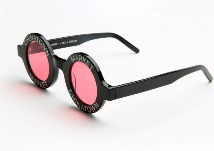 Chinatown Market e AKILA lançam óculos inspirados em modelo da Chanel