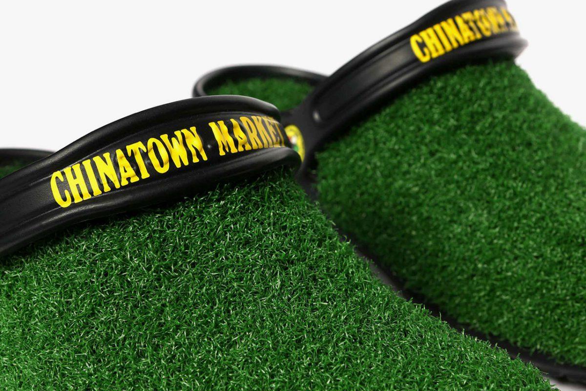 chinatown market crocs grama sintetica 05 - Chinatown Market e Crocs aplicam grama sintética em sandália