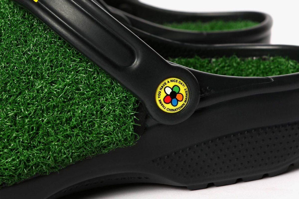 chinatown market crocs grama sintetica 06 - Chinatown Market e Crocs aplicam grama sintética em sandália