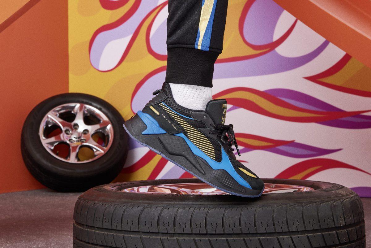 puma rs x hotwheels colab 01 - PUMA pisa fundo em colaboração com Hot Wheels