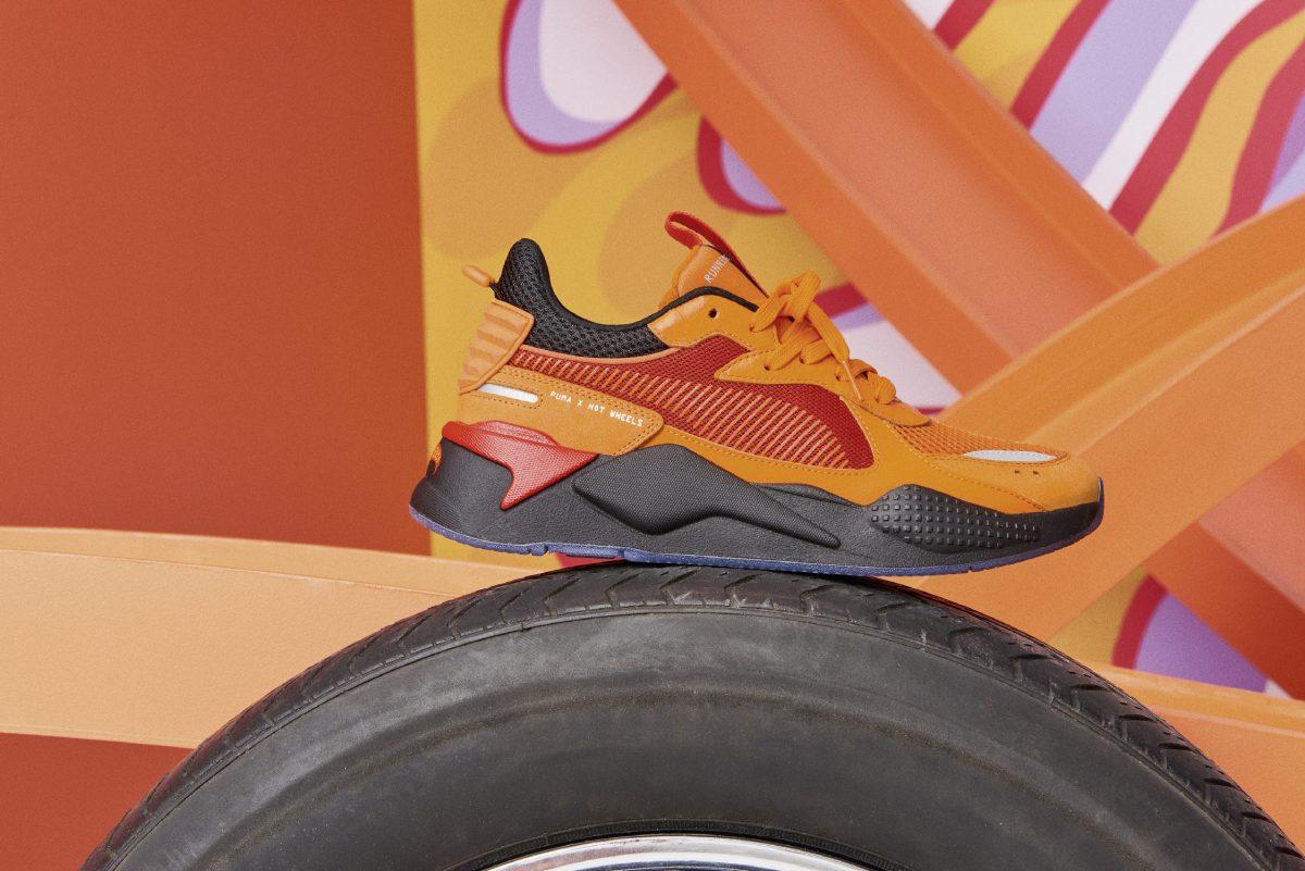 puma rs x hotwheels colab 05 - PUMA pisa fundo em colaboração com Hot Wheels