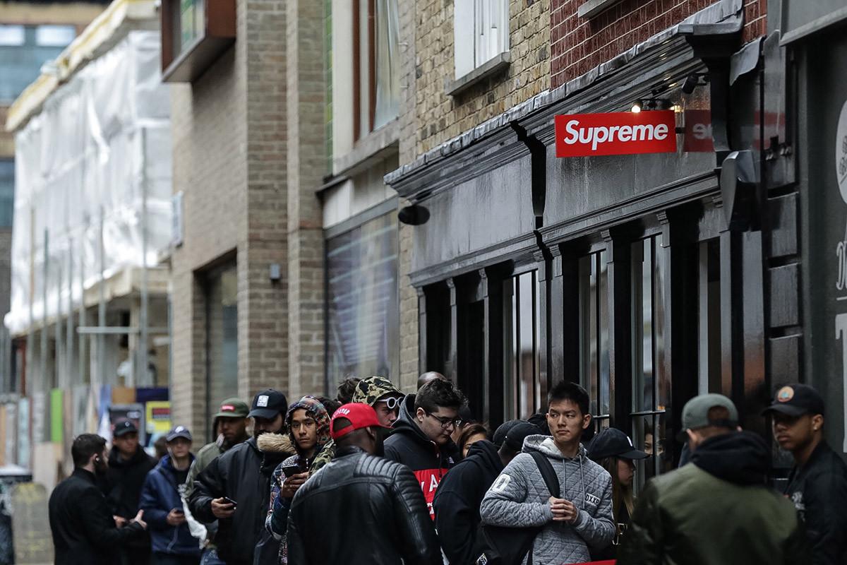 supreme londres loja highsnobiety - Roubaram o letreiro da Supreme em Londres