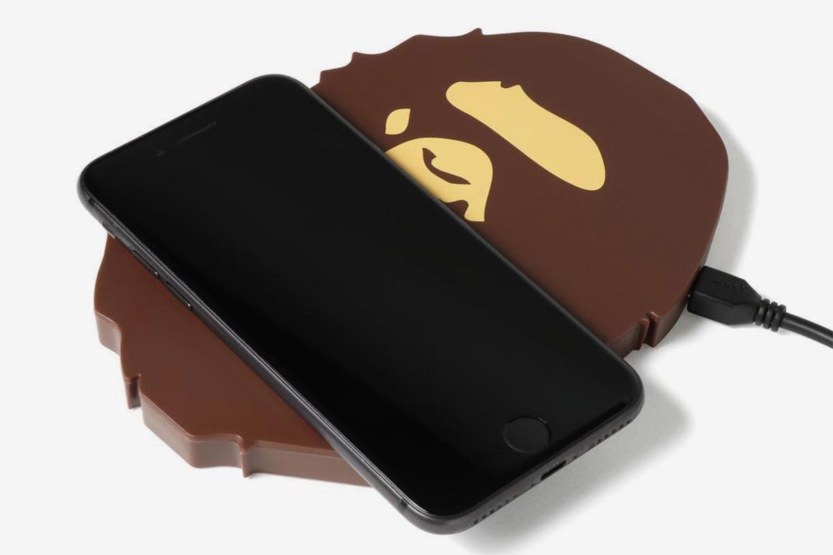 bape ape head carregador celular sem fio 01 - BAPE entra na onda dos carregadores de celular sem fio