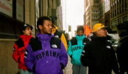 Supreme e The North Face apostam nas cores CMYK em…