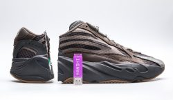 Kanye West escondeu seu novo álbum dentro do Yeezy 700…