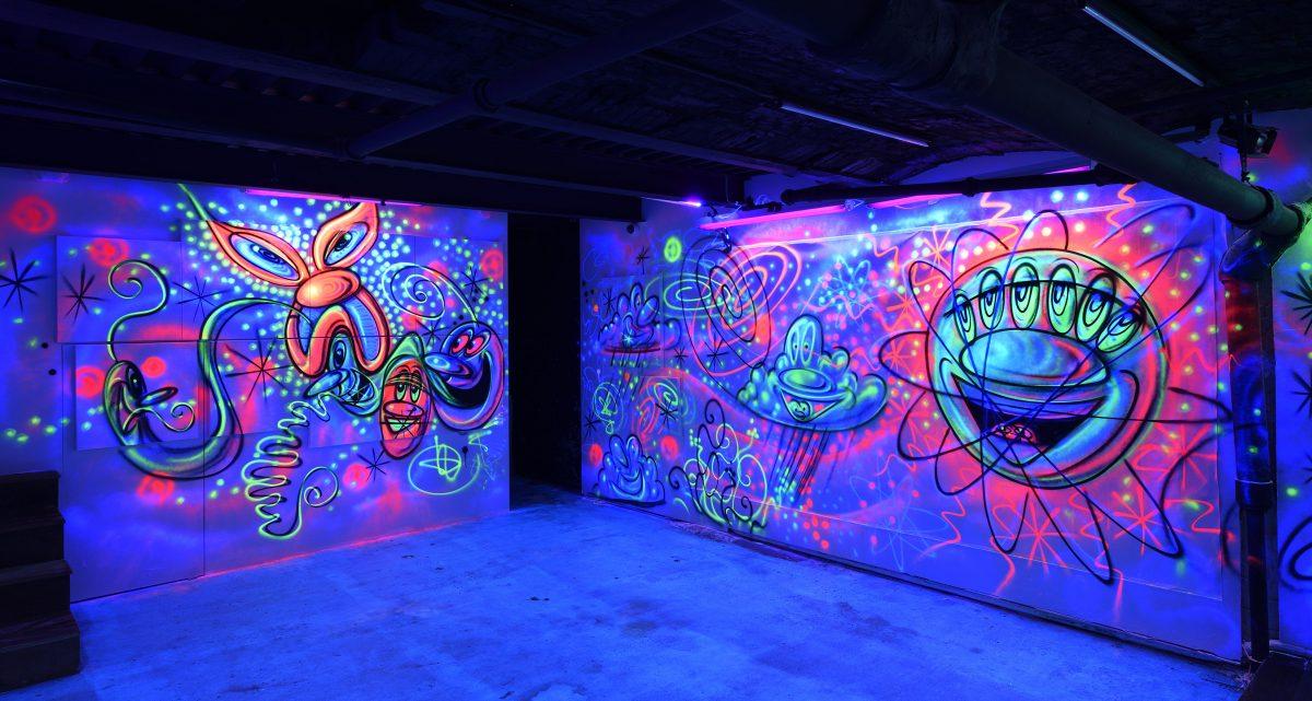 """kenny scharf blue blood totah gallery 05 - Kenny Scharf apresenta novos trabalhos na exibição """"Blue Blood"""""""